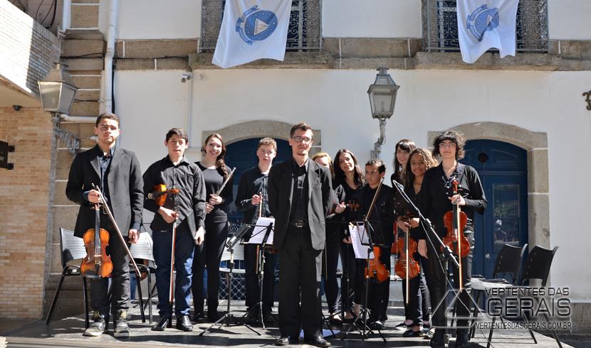EDIÇÃO-MUSICA-NA-PRAÇA-BARBACENA-VERTENTES-DAS-GERAIS-JANUARIO-BASILIO-01