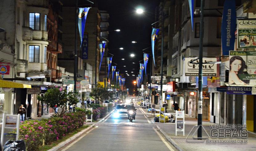 Centro de Barbacena recebe iluminação de led