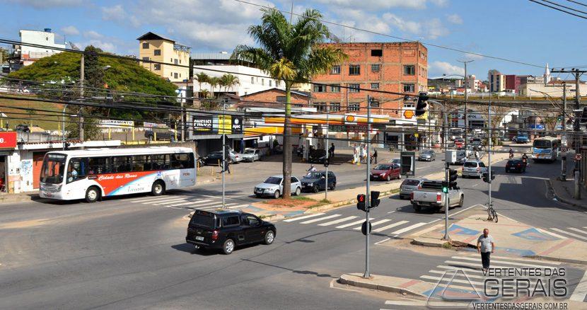 TRÂNSITO-NO-PONTILHÃO-EM-BARBACENA-FOTO-JANUARIO-BASÍLIO