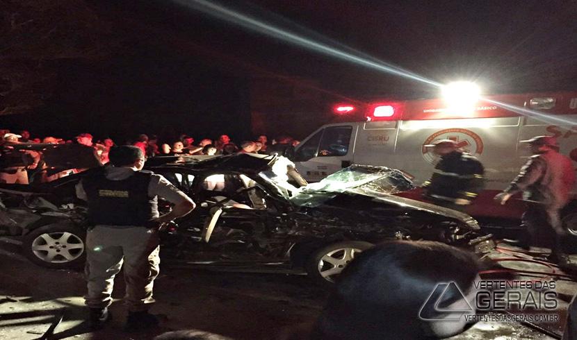 Jovem morre em acidente envolvendo um ônibus de estudantes