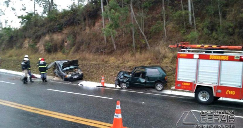 acidente-na-br265-próximo-ao-quiosque-do-tio-romeu-em-barbacena-02