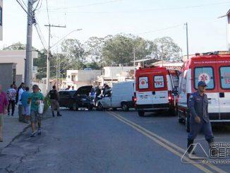 colisão-entre-veículos-no-bairro-do-carmo-em-barbacena-01