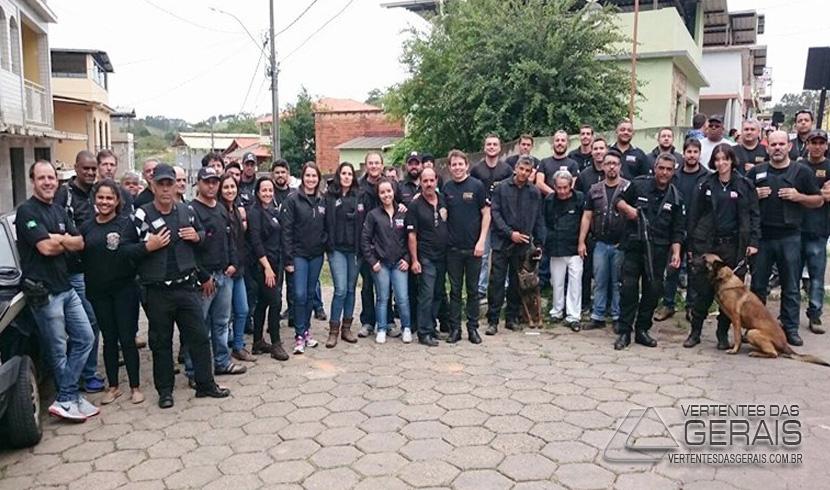 POLÍCIA CIVIL PRENDE 13 PESSOAS E APREENDE DIVERSOS OBJETOS NA REGIÃO