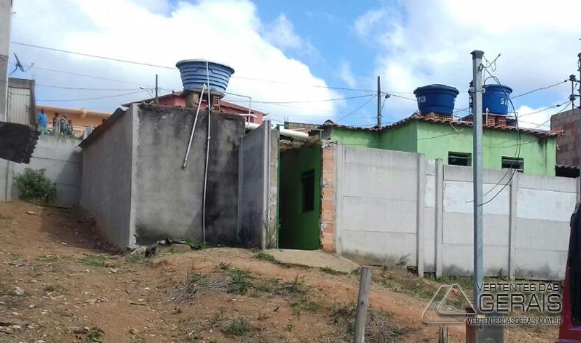 BOMBEIROS DE LAFAIETE CONTROLAM PRINCÍPIO DE INCÊNDIO EM BOTIJÃO DE GÁS
