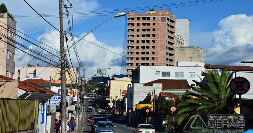 Rua  José Bonifácio, centro de Barbacena.