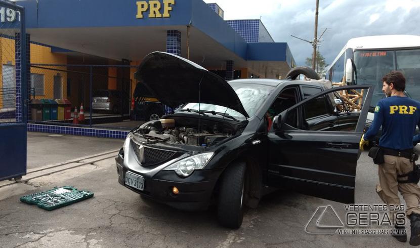 POLÍCIA RODOVIÁRIA FEDERAL APREENDE VEÍCULO CLONADO TRAFEGANDO NA BR 040