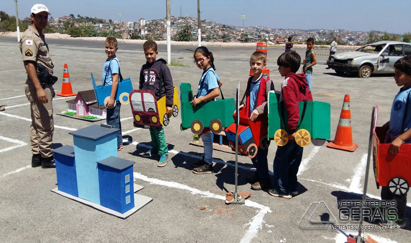 Alunos da Escola José Moreira dos Santos Participam da Semana do Trânsito