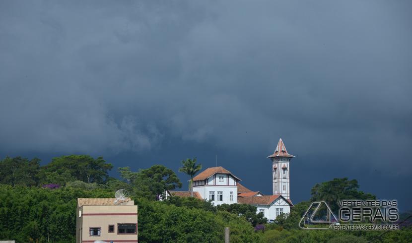 Alerta de Previsão de Chuvas Intensas  Acompanhada por Raios na Região das Vertentes