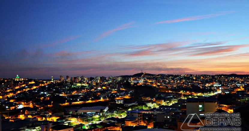 vista-parcial-noturna-de-barbacena-foto-januario-basílio