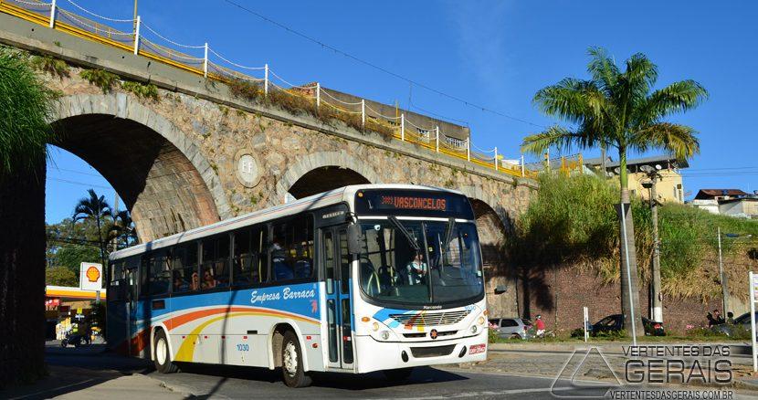 ônibus-da-empresa-barraca-em-barbacena-foto-januário-basílio