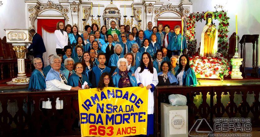 ANIVERSÁRIO-DA-IRMANDADE-DE-NOSSA-SENHORA-DA-BOA-MORTE-EM-BARBACENA-01