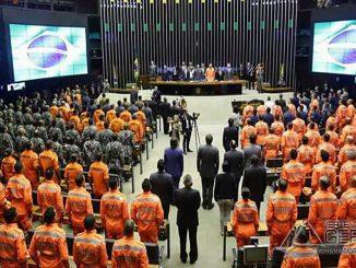 Câmara-dos-deputados-homenageia-bombeiros-e-vítimas-de-Brumadinho-03