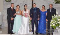 O casal ladeados por seus pais: José Fernandes  e Maria de Fátima  Bertolino (pais da noiva) e  Paulo Viveiros  e  Sueli Araújo Pereira