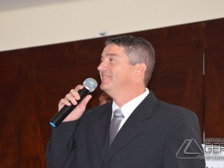 Prefeito eleito, Luis Álvaro.