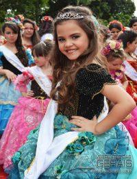 Desfile-das-Rosas-em-Barbacena-foto-Januário-Basílio-36