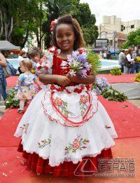 Desfile-das-Rosas-em-Barbacena-foto-Januário-Basílio-41pg