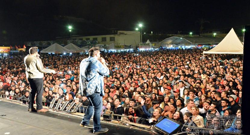 EXPOSIÇÃO-DE-SENHORA-DOS-REMEDIOS-VERTENTES-DAS-GERAIS-JANUARIO-BASILIO-02