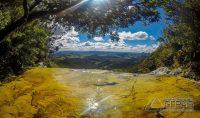 Janela-d-ceu-no-parque-estadual-do-ibitipoca-mg-foto-amilton-fortes