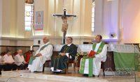 Da esquerda para a direita: Diácono Antônio  Rodrigues,, Padre Walter Jorge(Pároco da Basílica de São José) e Padre Geovane Luiz(Pároco do Santuário da Piedade).