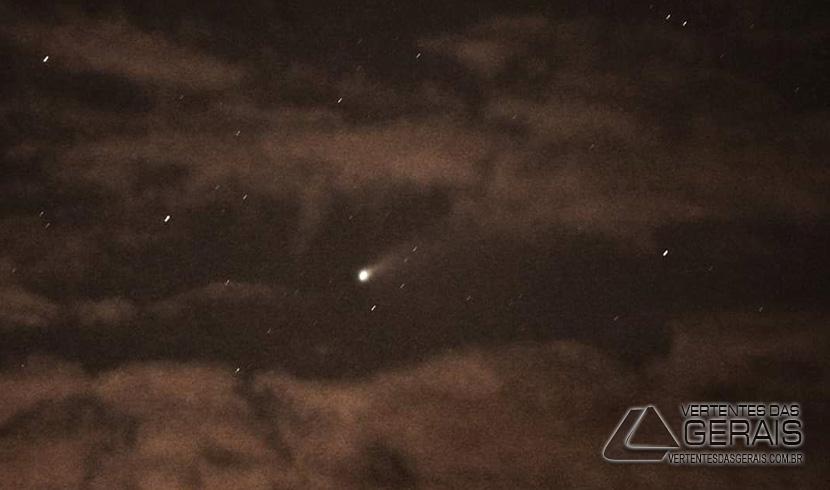 Passagem-do-cometa-Neowise-foto-sandro-morelli-02