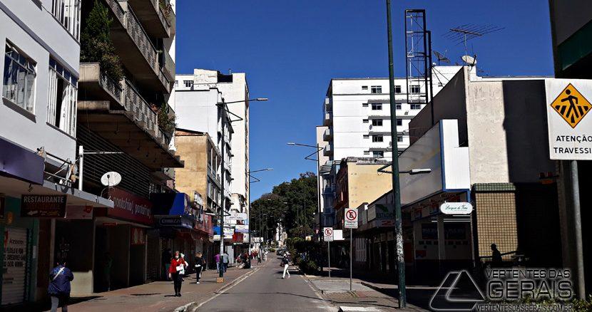 Rua-Quinze-de-Novembro-Centro-de-Barbacena-foto-Januário-Basílio-02