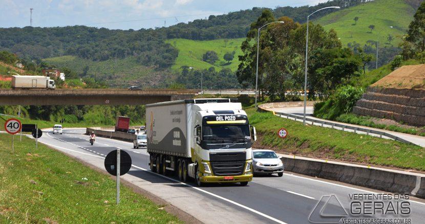 TRECHO-DA-BR-040-EM-BARBACENA-FOTO-JANUARIO-BASILIO-VERTENTES-DAS-GERAIS