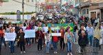 MANIFESTANTES PROTESTAM CONTRA O AUMENTO DOS COMBUSTÍVEIS EM BARBACENA