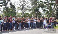 abraço-simbólico-no-prédio-do-if-sudeste-barbacena-foto-januario-basílio-08pg