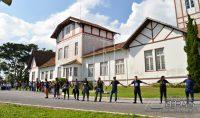 abraço-simbólico-no-prédio-do-if-sudeste-barbacena-foto-januario-basílio-13pg