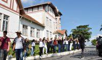 abraço-simbólico-no-prédio-do-if-sudeste-barbacena-foto-januario-basílio-14pg