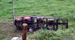 CAMINHÃO QUE TRANSPORTAVA AGUARDENTE TOMBA ÀS MARGENS DA MG 448