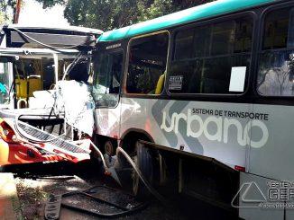 acidente-entre-dois-ônibus-deixa-feridos-em-jf-foto-augusto-medeiros-g1