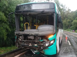acidente-na-br-040-em-jf-foto-nayara-de-paula-g1-01