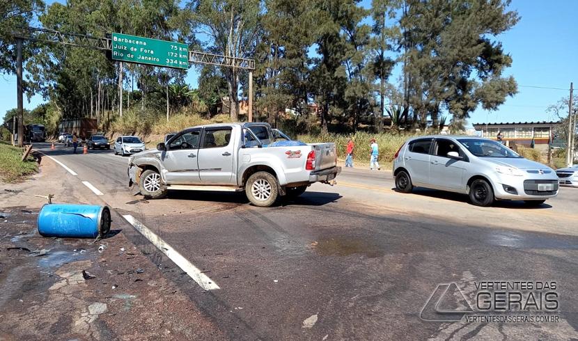 acidente-na-br-040-em-lafaiete-01
