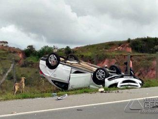 acidente-na-br-265-deixa-dois-feridos-em-barbacena-02