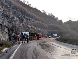 acidente-na-br-265-em-barbacena-foto-januario-basílio-03