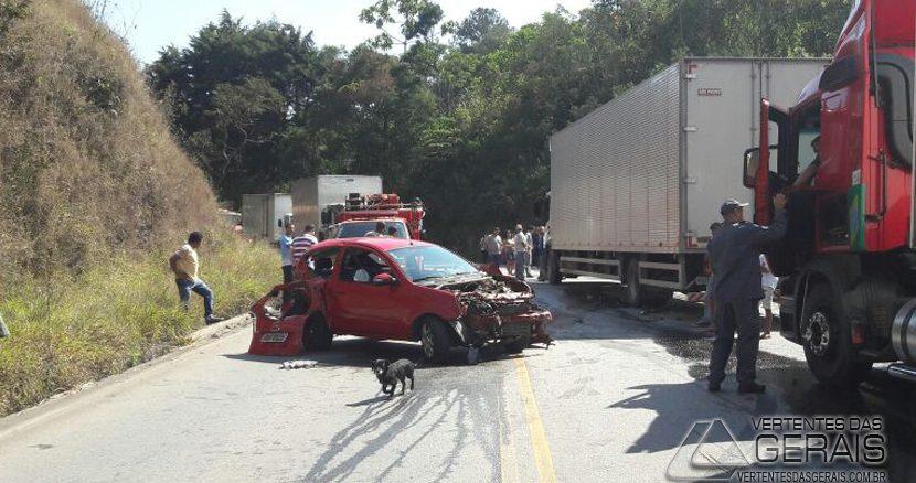 acidente-na-estrada-de-acesso-a-santa-bárbara-02