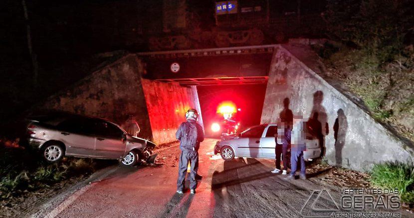 acidente-na-mgc-265-em-barbacena-01