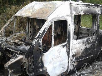 ambulância-destruída-pelo-fogo-01