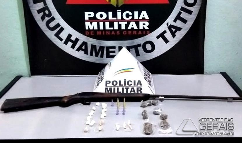 arma-e-drogas-apreendidas-em-lafaiete
