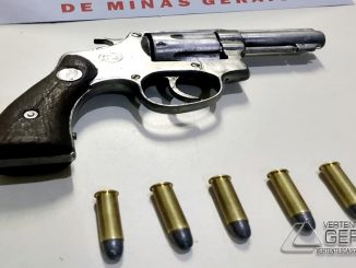 arma-e-munições-apreendidas-em-sjdr