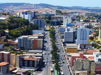 avenida-telésforo-cândido-de-resende-em--lafaiete-foto-januario-basílio