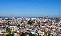 Visão da cidade a partir do bairro São Pedro.