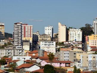 barbacena-vista-parcial-do-centro-da-cidade-foto-januario-basílio-vertentes-das-gerais (2)