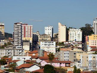 barbacena-vista-parcial-do-centro-da-cidade-foto-januario-basílio-vertentes-das-gerais