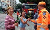 bombeiros-de-barbacena-homenageiam-as-mulheres-04