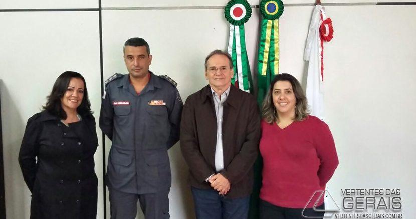 bombeiros-de-lafaiete-recebem-a-visita-do-prefeito-de-ouro-branco-e-secretários