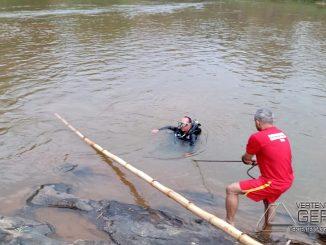 bombeiros-resgatam-corpo-de-homem-que-se-afogou-no-rio-xopoto-em-cipotanea-mg-03pg