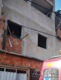 bombeiros-resgatam-pedreiro-ferido-em-sjdr-03