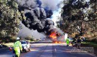 caminhão-pega-fogo-na-br-040-na-rmbh-foto-enviada-via-whatsapp